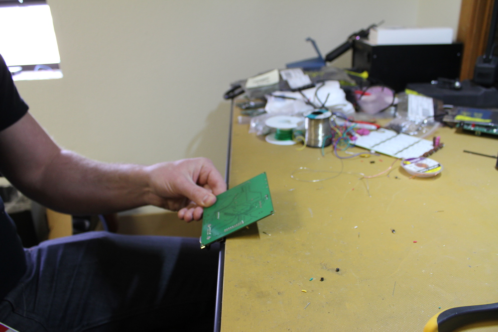 How to Remove Stubborn Solder from Circuit Board Holes